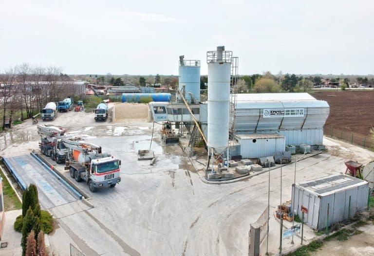 Бетонов възел в Каварна с бетон-помпи и бетоновози